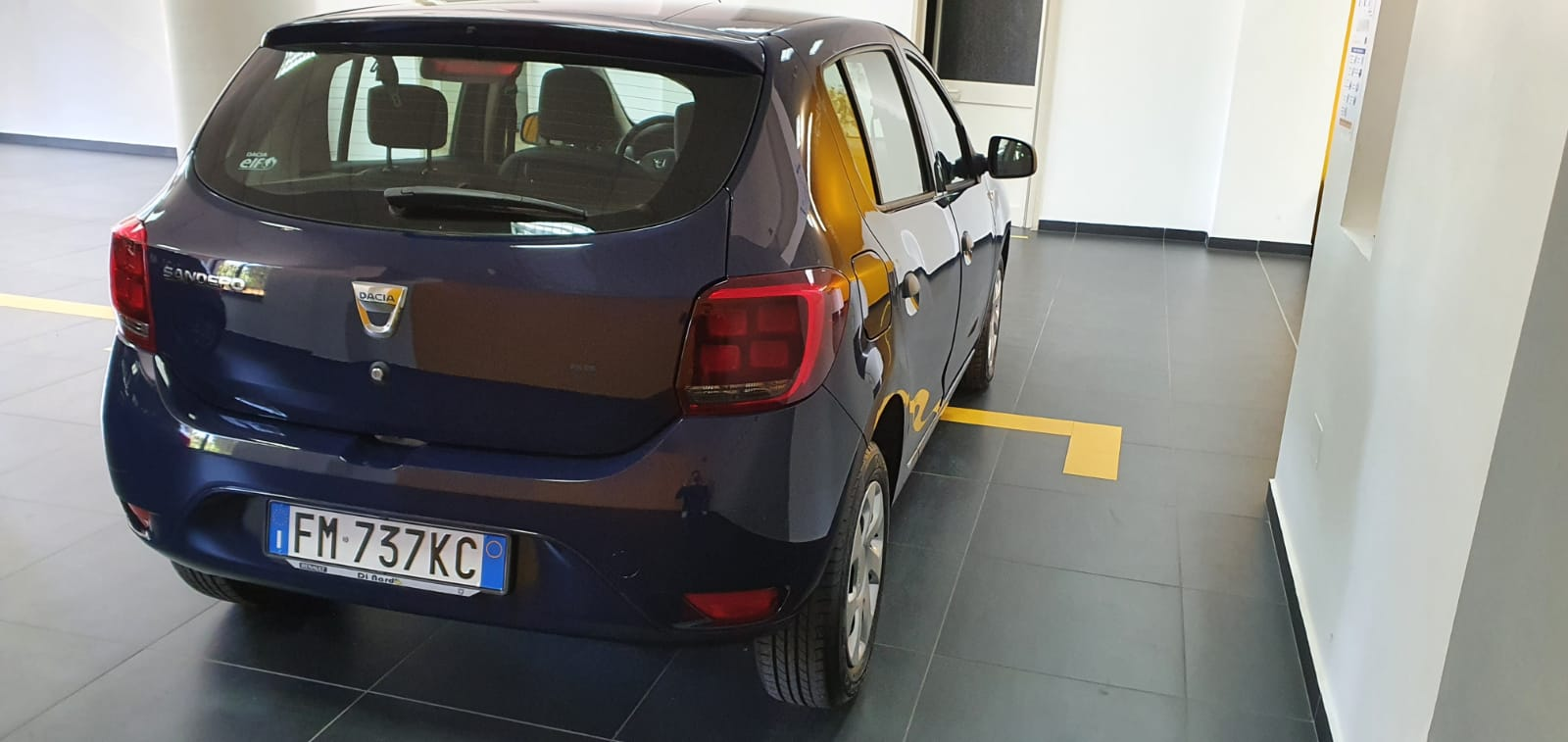 DACIA SANDERO COMFORT 1.0 SCe 12V 75CV BENZINA EURO 6 12/2017 completo